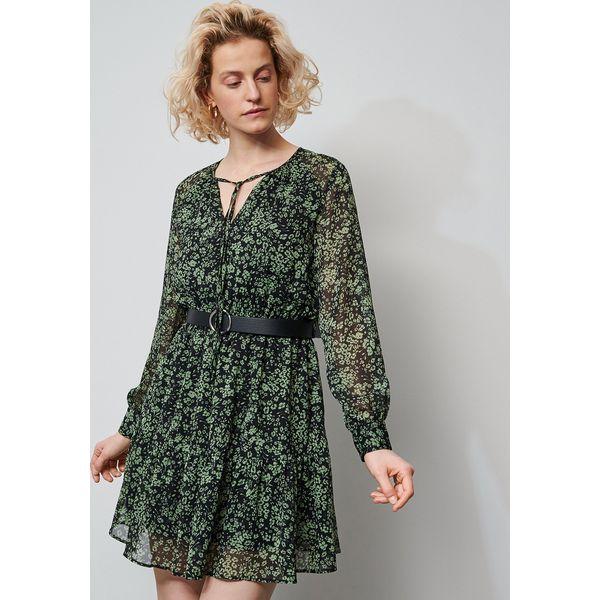 Sukienka w kwiaty z paskiem Wielobarwny