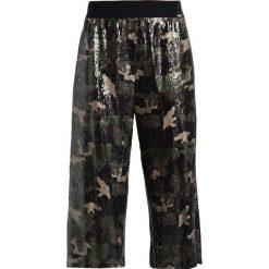 Liu Jo Jeans LUNGO DUET Szorty camouflage. Szorty damskie Liu Jo Jeans. W wyprzedaży za 599.25 zł.