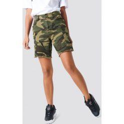 NA-KD Trend Szorty bermudy Army - Green,Multicolor. Szorty damskie marki KIPSTA. W wyprzedaży za 48.58 zł.