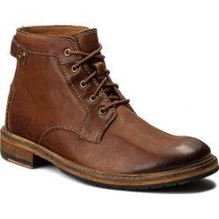 Kozaki CLARKS - Clarkdale Bud 261277807 Dark Tan Leather. Brązowe kozaki męskie Clarks, z materiału. W wyprzedaży za 409.00 zł.