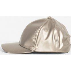 Parfois - Czapka. Szare czapki i kapelusze damskie Parfois. W wyprzedaży za 27.90 zł.