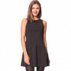 """Sukienka """"Karla"""" w kolorze czarnym. Czarne sukienki damskie Assuili, klasyczne, z okrągłym kołnierzem. W wyprzedaży za 136.95 zł."""