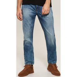 Jeansy regular fit - Niebieski. Niebieskie jeansy męskie House. Za 139.99 zł.