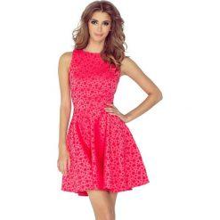 125-13 sukienka koło - dekolt łódka - żakard kółeczka - malina. Różowe sukienki damskie NUMOCO, z żakardem, z dekoltem w łódkę. Za 164.00 zł.