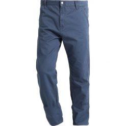 Carhartt WIP RUCK SINGLE KNEE MILLINGTON Spodnie materiałowe stone blue stone washed. Spodnie materiałowe męskie Carhartt WIP, z bawełny. Za 369.00 zł.