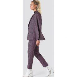 NA-KD Classic Spodnie garniturowe - Black,Pink. Czarne spodnie materiałowe damskie NA-KD Classic. Za 161.95 zł.