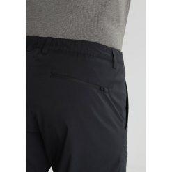 Peak Performance TRECK Spodnie materiałowe black. Spodnie materiałowe męskie Peak Performance, z elastanu, sportowe. Za 569.00 zł.