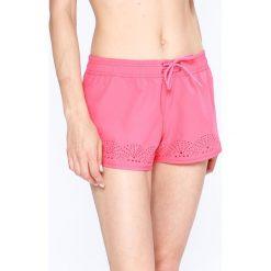 Roxy - Szorty. Różowe szorty damskie Roxy, z elastanu, casualowe. W wyprzedaży za 129.90 zł.