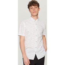 Koszula z krótkim rękawem - Biały. Koszule dla chłopców marki Reserved. W wyprzedaży za 39.99 zł.