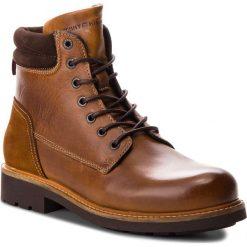 Kozaki TOMMY HILFIGER - Active Leather Boot FM0FM01774 Winter Cognac 906. Brązowe kozaki męskie Tommy Hilfiger, z materiału. Za 699.00 zł.