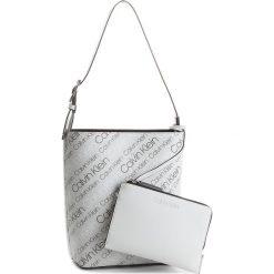 Torebka CALVIN KLEIN - Inside Out Bucket K60K604300  910. Białe torby na ramię damskie Calvin Klein. W wyprzedaży za 439.00 zł.