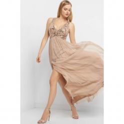 Sukienka maxi z rozcięciem. Brązowe sukienki damskie Orsay, z dzianiny, z dekoltem na plecach. Za 229.99 zł.