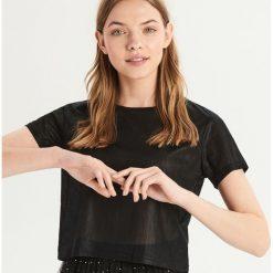 T-shirt z błyszczącą fakturą - Czarny. Czarne t-shirty damskie Sinsay. Za 29.99 zł.