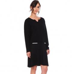 """Sukienka """"Maud"""" w kolorze czarnym. Czarne sukienki damskie Cosy Winter, ze splotem, z długim rękawem. W wyprzedaży za 181.95 zł."""