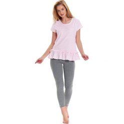 Piżama w kolorze jasnoróżowo-biało-szarym - t-shirt, legginsy. Białe piżamy damskie Doctor Nap, w paski. W wyprzedaży za 72.95 zł.