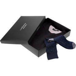 Zestaw Sweter plus Skarpety. Czarne swetry przez głowę męskie LANCERTO, z bawełny, z dekoltem w serek. Za 149.80 zł.
