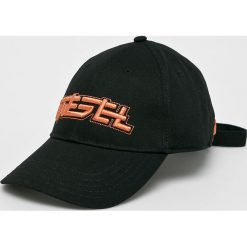 Diesel - Czapka. Czarne czapki i kapelusze męskie Diesel. Za 269.90 zł.