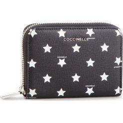 Duży Portfel Damski COCCINELLE - DW2 Mettallic Star Print E2 DW2 11 02 01 Multic/Noir M25. Czarne portfele damskie Coccinelle, ze skóry. Za 499.90 zł.
