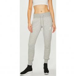 New Balance - Spodnie. Szare spodnie materiałowe damskie New Balance, z bawełny. Za 229.90 zł.