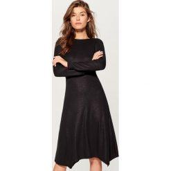 Połyskująca sukienka - Czarny. Czarne sukienki damskie Mohito. Za 119.99 zł.