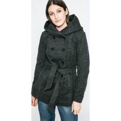 Only - Płaszcz. Czarne płaszcze damskie Only, w paski, z materiału, klasyczne. W wyprzedaży za 219.90 zł.