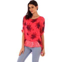 Koszulka w kolorze czerwonym. T-shirty damskie 100% Soie, klasyczne, z okrągłym kołnierzem. W wyprzedaży za 130.95 zł.