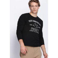 Czarna Koszulka Armoured. Czarne bluzki z długim rękawem męskie Born2be. Za 29.99 zł.