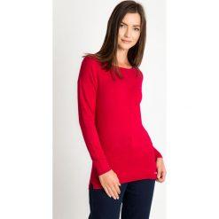 Malinowy sweter basic QUIOSQUE. Różowe swetry damskie QUIOSQUE, z dzianiny, z klasycznym kołnierzykiem. W wyprzedaży za 69.99 zł.
