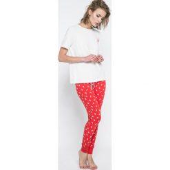 Pieces - Piżama Xmas Ribbon. Szare piżamy damskie Pieces, z nadrukiem, z bawełny. W wyprzedaży za 79.90 zł.