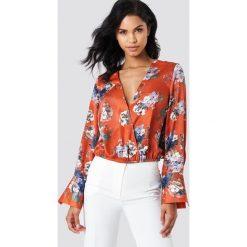 ad2844c226 Wyprzedaż - bluzki i tuniki damskie marki NA-KD - Kolekcja wiosna ...