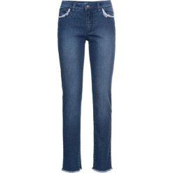 Dżinsy ze stretchem 7/8 bonprix niebieski. Jeansy damskie marki bonprix. Za 49.99 zł.