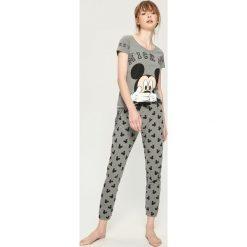 Piżama Mickey Mouse - Szary. Szare piżamy damskie Sinsay, z motywem z bajki. Za 69.99 zł.