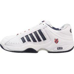 KSWISS DEFIER RS Obuwie multicourt white/dress blue/fiery red. Trekkingi męskie K-SWISS, z gumy, outdoorowe. Za 549.00 zł.