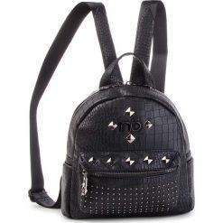 Plecak NOBO - NBAG-F2420-C020 Czarny. Czarne plecaki damskie Nobo, ze skóry ekologicznej. W wyprzedaży za 159.00 zł.