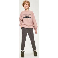 Bluza z minimalistycznym nadrukiem - Różowy. Bluzy dla chłopców Reserved, z nadrukiem. W wyprzedaży za 24.99 zł.