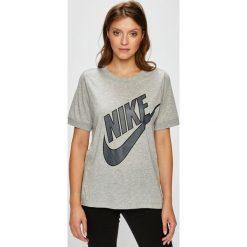 Nike Sportswear - Top sportowy. Szare topy damskie Nike Sportswear, z nadrukiem, z bawełny, z okrągłym kołnierzem, z krótkim rękawem. W wyprzedaży za 69.90 zł.