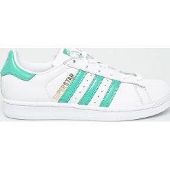 Adidas Originals - Buty Superstar. Szare obuwie sportowe damskie adidas Originals, z gumy. W wyprzedaży za 319.90 zł.