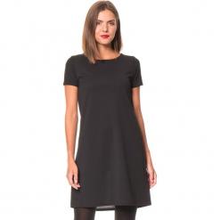 """Sukienka """"Dina"""" w kolorze czarnym. Czarne sukienki damskie Assuili, klasyczne, z kokardą. W wyprzedaży za 136.95 zł."""