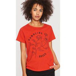 T-shirt z nadrukiem - Czerwony. Czerwone t-shirty dla chłopców Reserved, z nadrukiem. Za 49.99 zł.