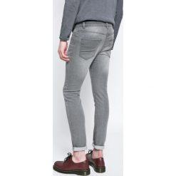 Review - Jeansy Jeremy. Szare jeansy męskie Review. W wyprzedaży za 119.90 zł.