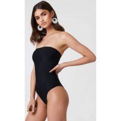 NA-KD Swimwear Kostium kąpielowy bandeau - Black. Czarne kostiumy jednoczęściowe damskie NA-KD Swimwear. Za 121.95 zł.