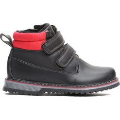 Czarne Traperki Take Place. Czarne buty zimowe chłopięce Born2be, z materiału. Za 69.99 zł.