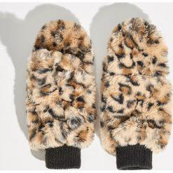 Puszyste rękawiczki - Brązowy. Brązowe rękawiczki damskie Sinsay. Za 29.99 zł.