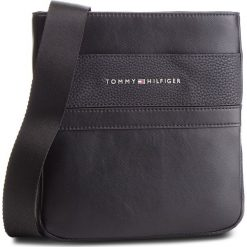Saszetka TOMMY HILFIGER - Th Business Mini Crossover AM0AM04255 002. Czarne saszetki męskie Tommy Hilfiger, ze skóry ekologicznej, młodzieżowe. Za 349.00 zł.