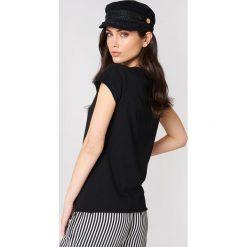 NA-KD T-shirt NA-KD - Black. Czarne t-shirty damskie NA-KD, z okrągłym kołnierzem. Za 48.95 zł.