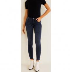 Mango - Jeansy push-up Kim. Niebieskie jeansy damskie Mango. Za 119.90 zł.
