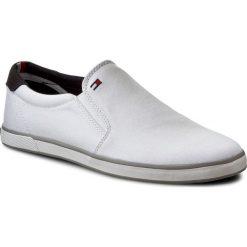 Tenisówki TOMMY HILFIGER - Harlow 2D FM0FM00597 White 100. Trampki męskie marki Converse. W wyprzedaży za 169.00 zł.