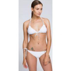 Kostium kąpielowy (góra) KOS218A - biały. Białe kostiumy jednoczęściowe damskie 4f. W wyprzedaży za 29.99 zł.