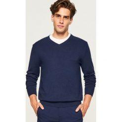 Sweter z dekoltem w serek - Granatowy. Swetry dla chłopców marki Reserved. Za 79.99 zł.