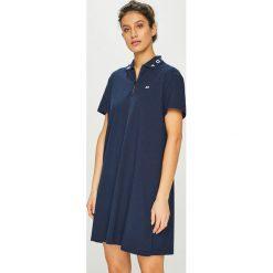 Tommy Jeans - Sukienka. Szare sukienki damskie Tommy Jeans, z bawełny, casualowe, z krótkim rękawem. Za 399.90 zł.
